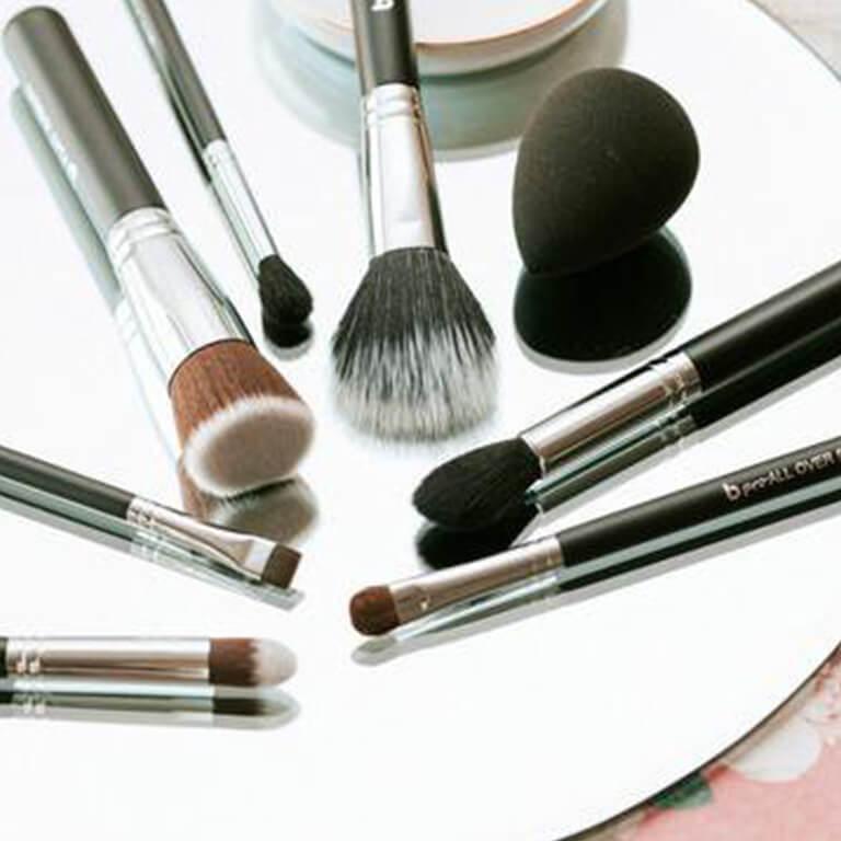The Best Makeup Brushes: 10 Makeup