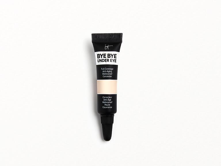 IT COSMETICS Bye Bye Under Eye Anti-Aging Concealer in 10.0 Light Fair