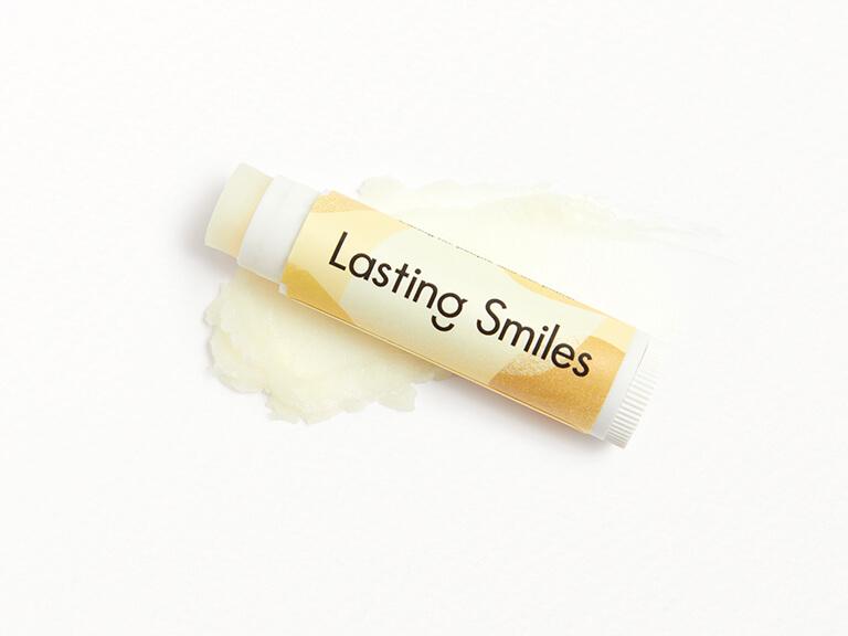 LASTING SMILES Lip Balm in Vanilla