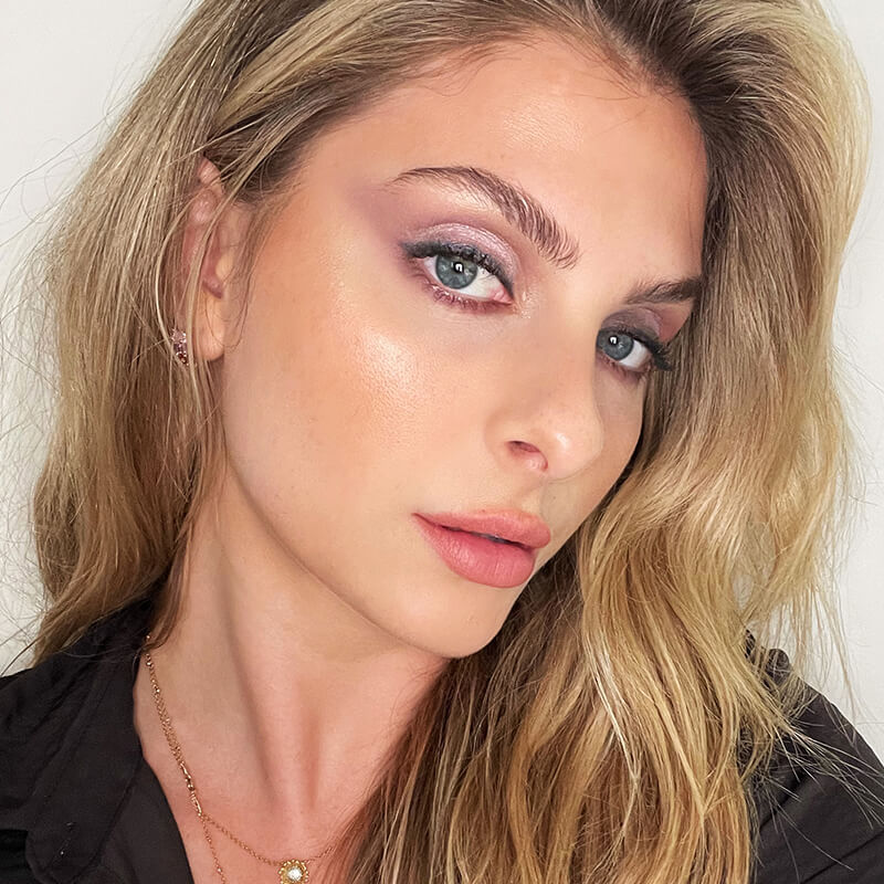 August 2021 Featured Fall Makeup Trends Story Module