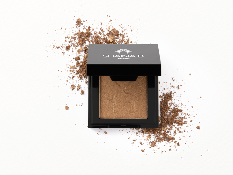Shaina B Highlight in Beachy with swatch