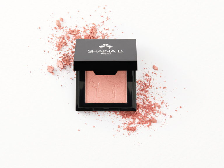 Shaina B Highlight in Guava Glow with swatch