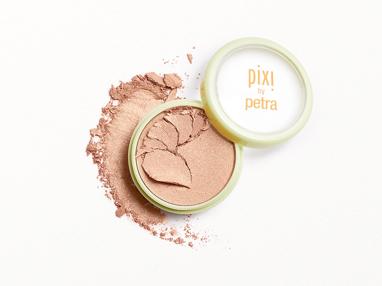 PIXI_BEAUTY_Glow-y_Powder_in_Creamy_Gold